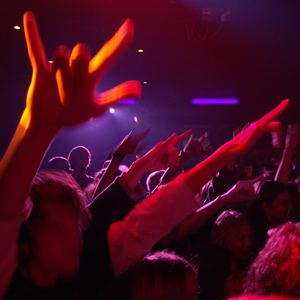 10 Tips to Get Real Fans at Shows
